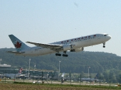 Air Canada C-GHLA Boeing 767-35H/ER