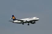 Lufthansa D-AIZN Airbus A320-214