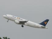 EAir One EI-DSH Airbus A320-214