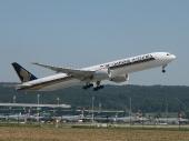 Singapore Airlines 9V-SWO Boeing 777-312/ER