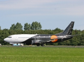 Titan Airways G-ZAPW Boeing 737-3L9(QC)
