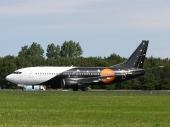 Boeing 737-3L9(QC) G-ZAPW