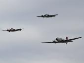 Classic Formation mit DC-3 und Beech 18