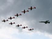 PC-7 Team mit Hornet F/A18