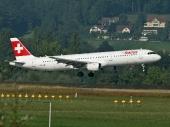 Airbus A321-212 HB-IOM