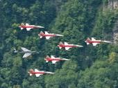 Patrouille Suisse mit mit Hunter J-4086