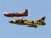 Hawker Hunter T.Mk.68 Trainer mit Pilatus PC-7