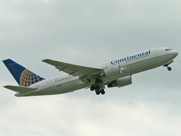 Continental Airlines N68159 Boeing 767-224/ER