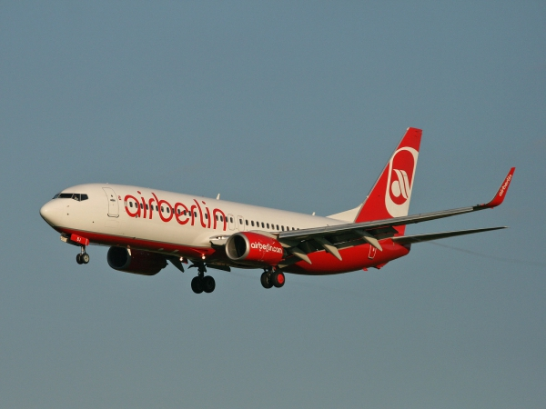 Air Berlin D-ABBJ Boeing 737-86J