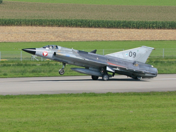 Austrian - Air Force Saab J-35J DRAKEN 09