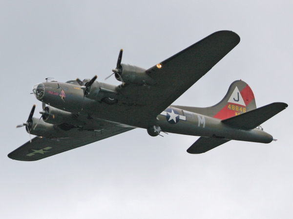 Boeing B-17G Flying Fortress (299P) 48846 F-AZDX