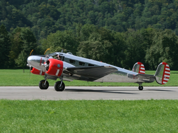 Beech Expeditor 3NM (D18S) N21FS
